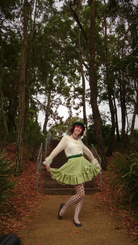 Big green bow polkadot tights